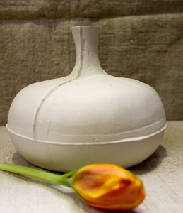 Porcelain-blanc-vase-french-homewares-interior-leforge-furniture-decoration-sydney